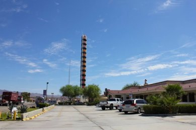 worlds-tallest-thermometer-in-baker-california